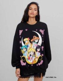 Bershka lancia una collezione sportiva e casual dedicata a Sailor Moon
