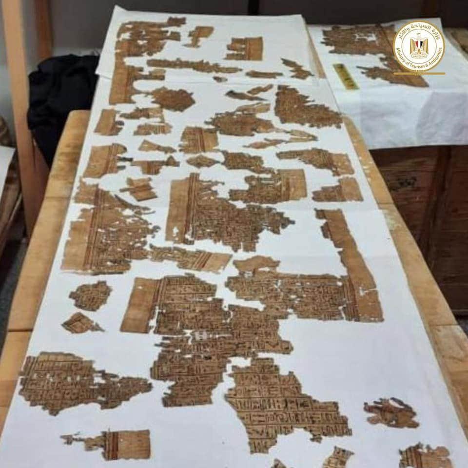 Egitto, testo del Libro dei Morti ritrovato a Saqqara.